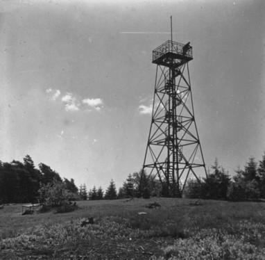 Aussichtsturm im Frühling 1937