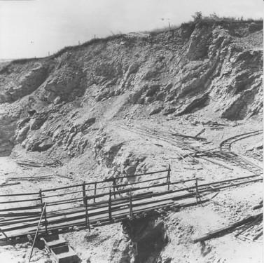 Gleise im Steinbruch, 1938