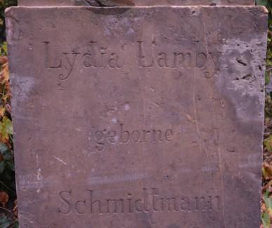 Sockelinschrift Lydia Lamby, geborne Schmidtmann