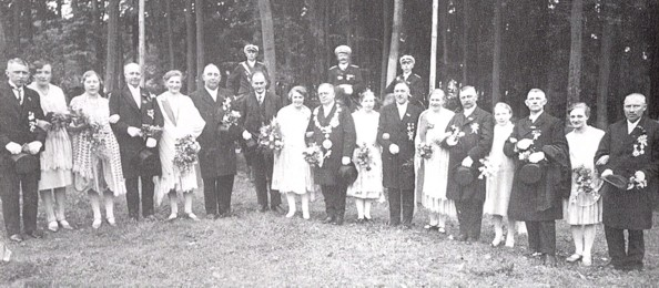 Schützenfest 1929, vierte Person von links: Bernhard Wilhelm Hellmann