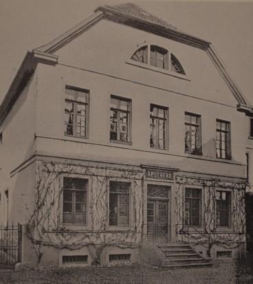 """""""Hirsch-Apotheke"""", um 1910"""