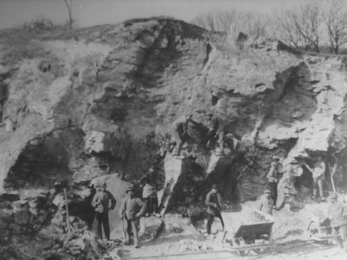 Arbeiten im Steinbruch, um 1930