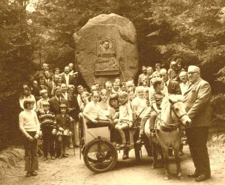 Wanderung des Heimatvereins Glane e.V. zum Zeppelinstein 1971